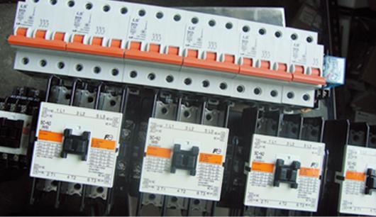 Использование двухтактных роликов на роликах, перекачки с обратной стороны, устойчивые и беззащитные.